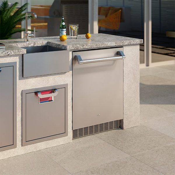 Aspire By Hestan 24-Inch Outdoor Refrigerator Outdoor Kitchen Installed