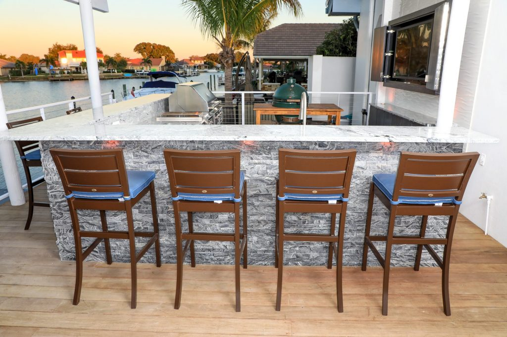 L-Shape Outdoor Kitchen Patio And Outdoor Cabinetry