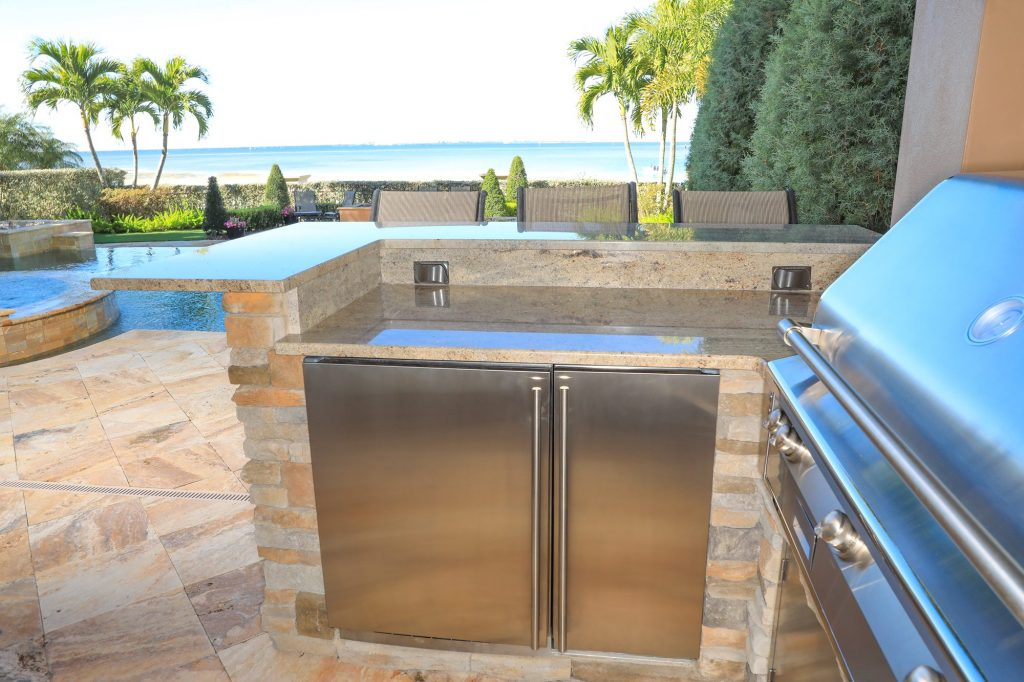 U-Line Refrigerator And Ice Maker Built-In Outdoor Kitchen