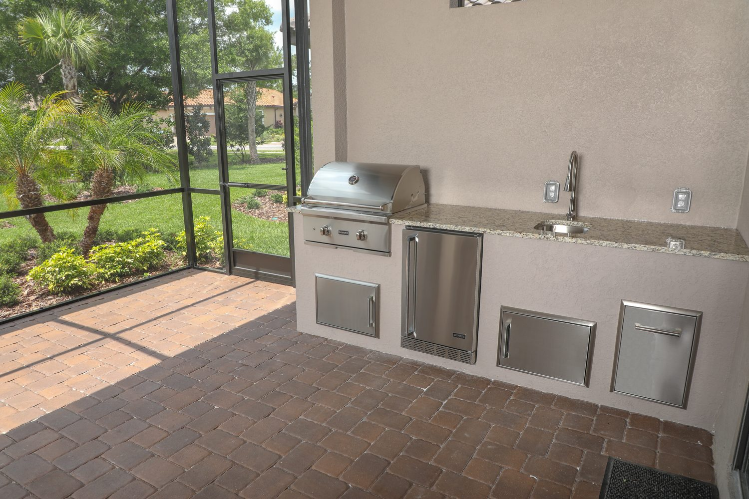 coyote grill outdoor kitchen