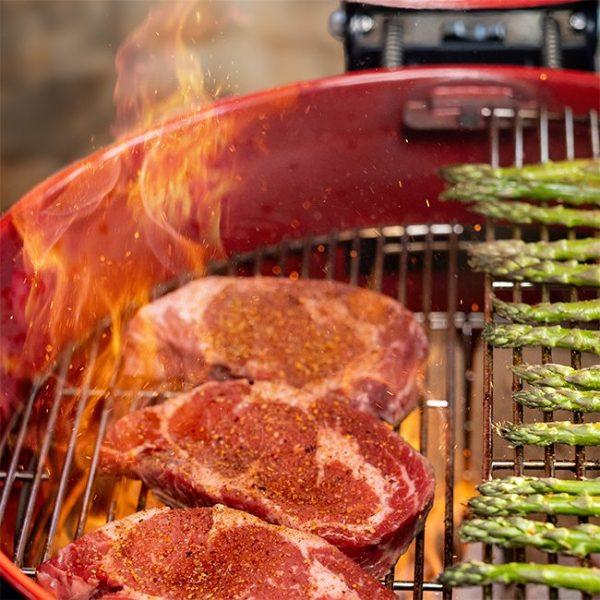 Kamado Joe Kettle Joe Two Tier Cooking Steaks