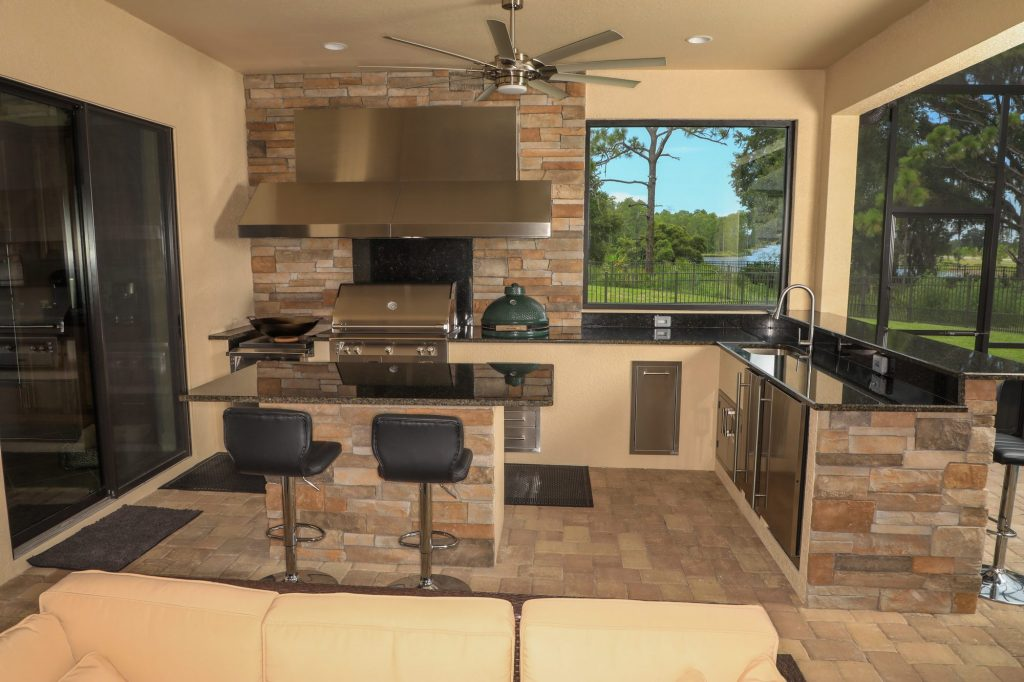 stone finish outdoor kitchen