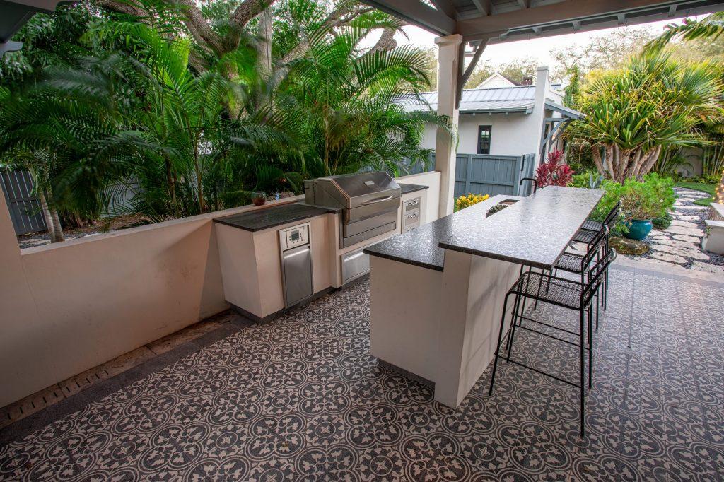 Memphis Pellet Grill Built-In Outdoor Kitchen