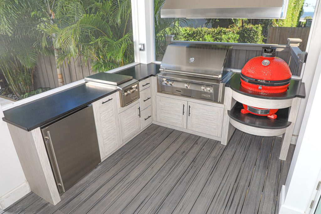 Gas And Charcoal Grill Outdoor Kitchen
