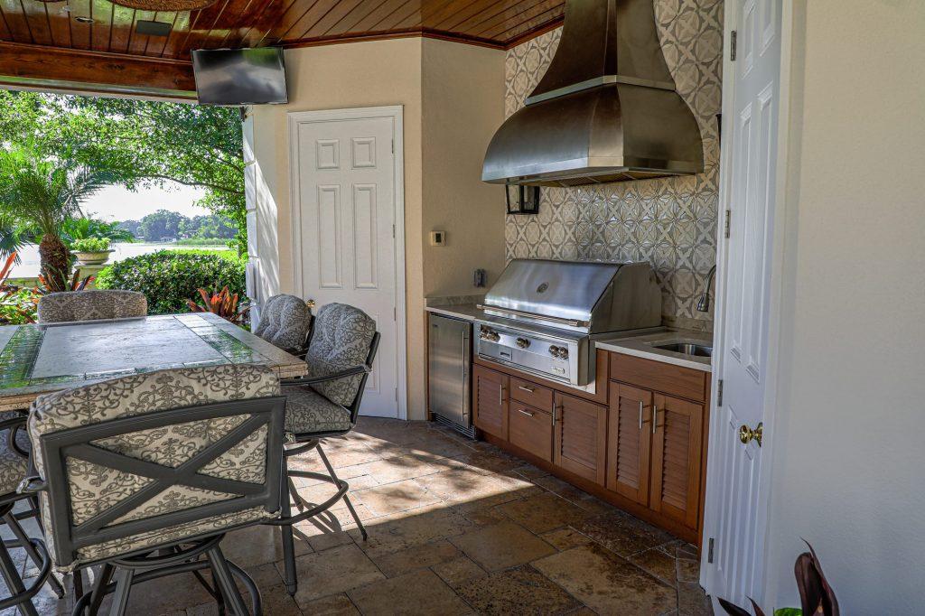 Custom Outdoor Kitchen in Tampa