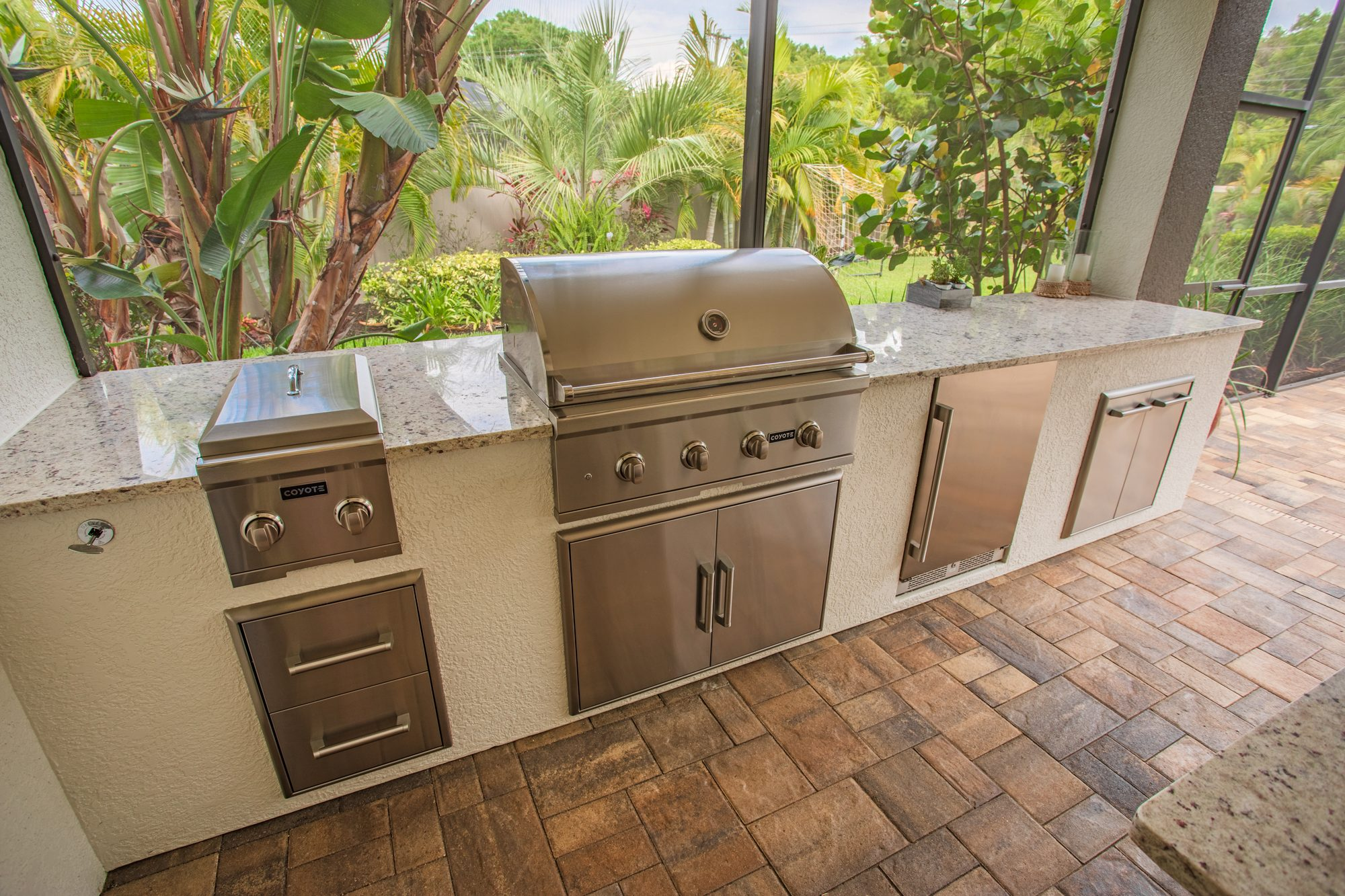 Custom Outdoor Kitchen Coyote Grill   Tampa, Florida