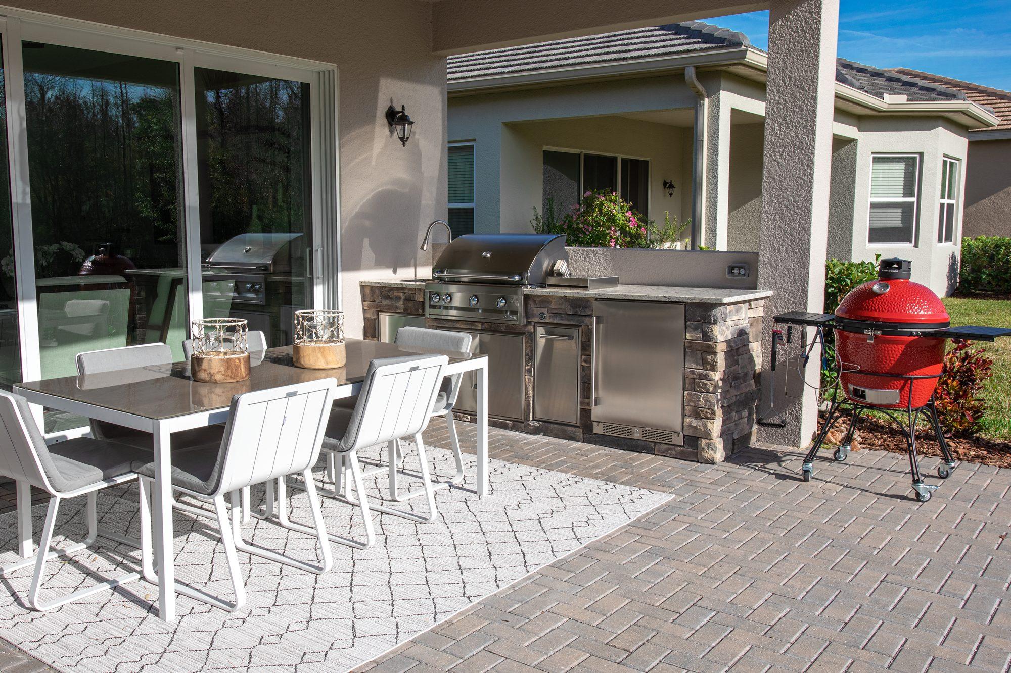Custom Stone Outdoor Kitchen In Wesley Chapel