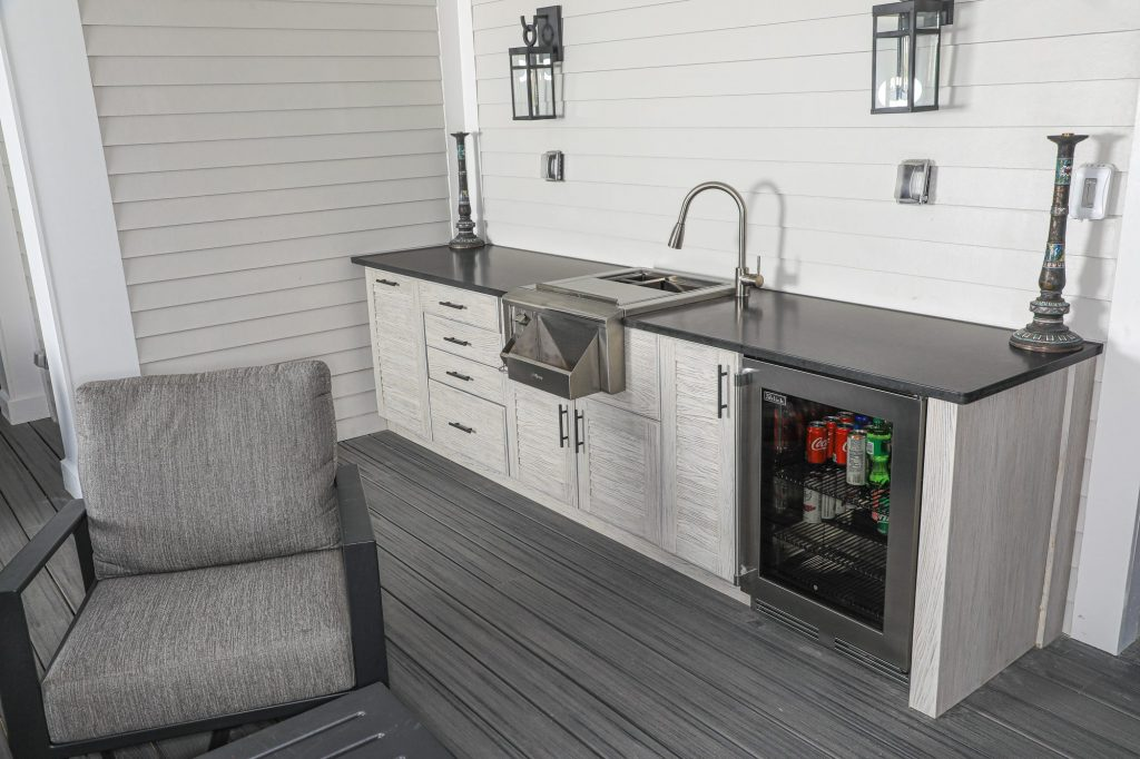 Wet Bar With Perlick Refrigerator